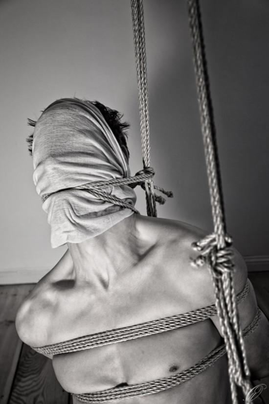 bondage01