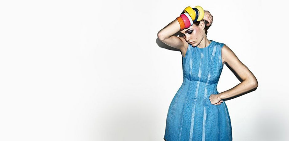 <span>BLANK FASHION FOTOS</span> Modefotografie ist zuweilen eine sehr spezielle Angelegenheit. Wir lichten den Dschungel. Diesmal mit Martin Bauendahl, der 1970 in Köln geboren wurde und heute in Hamburg und Paris lebt. Seine Fotos konnte man bereits in Magazinen wie Style & The Family Tunes, Lowdon, Tush oder Vogue sehen. Man könnte durchaus behaupten, dass er zur Zeit ein angesagter Fotograf ist.